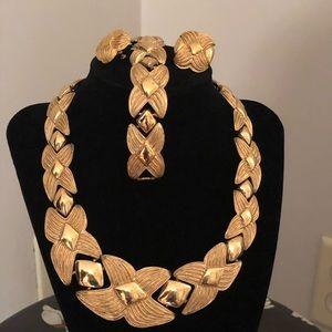Napier Gold necklace set